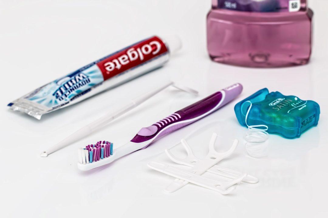 Copiii și ața dentară