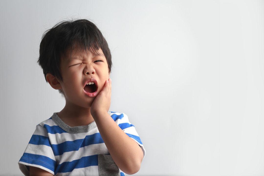 Durerea de dinți la copii – cum reacționăm? Perspectiva psihologului